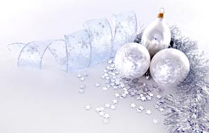 silver-baubles